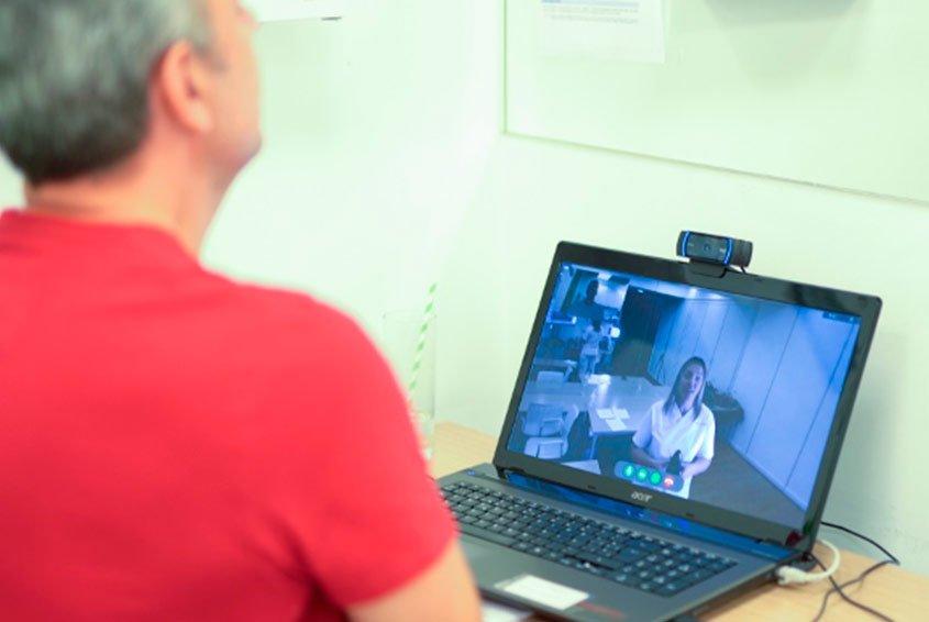 Individual speech therapy session via tele-rehabilitation